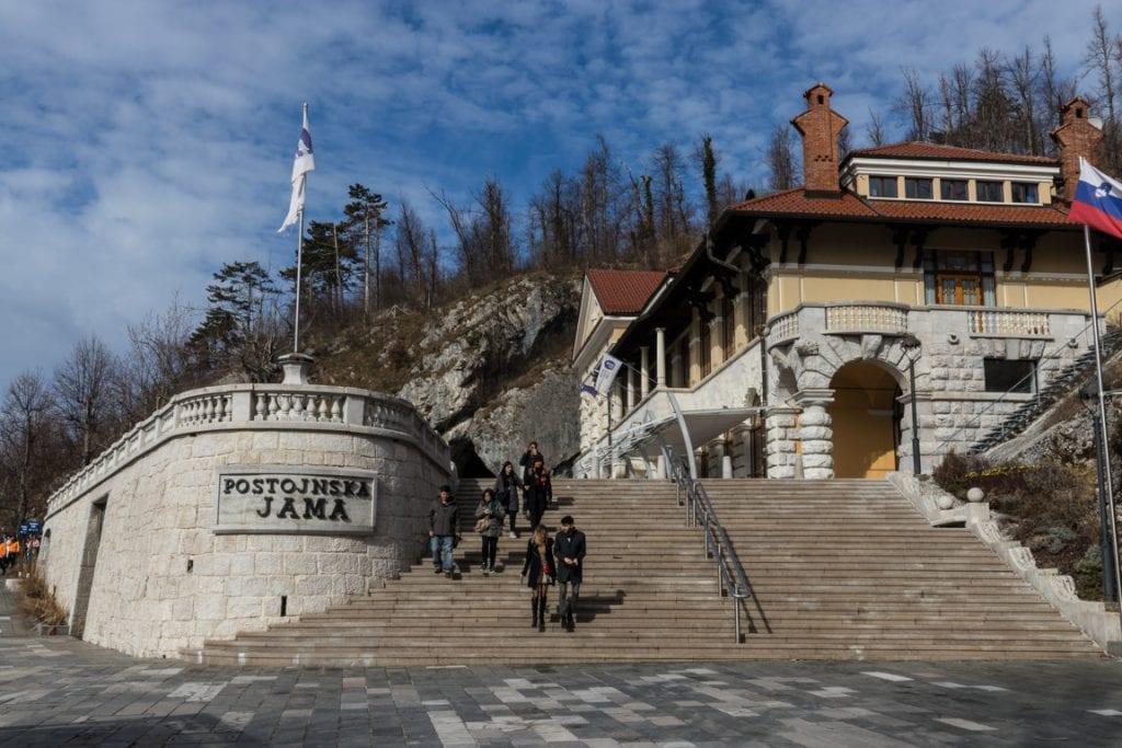 Visitare le grotte di Postumia