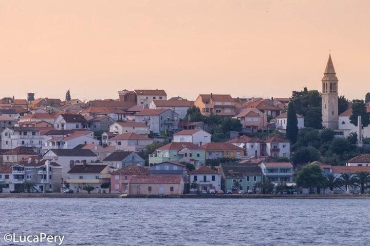 isole incoronate in barca